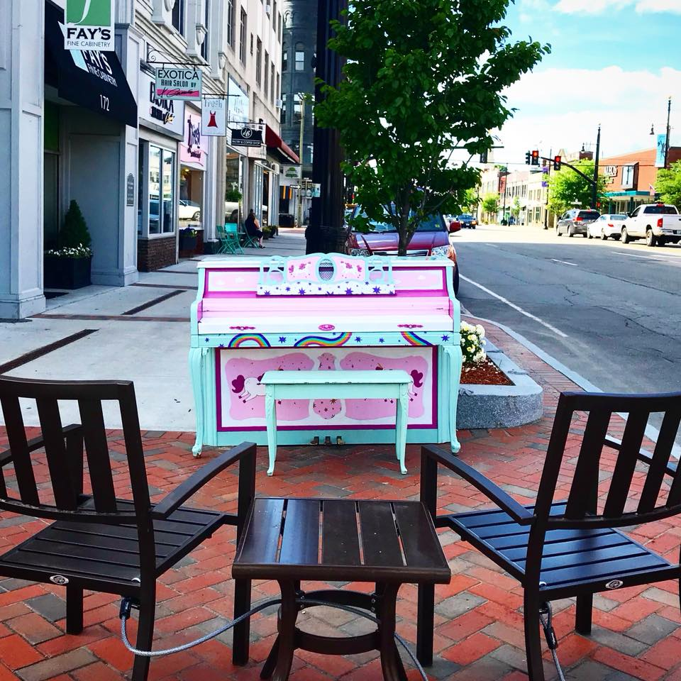 Image of street piano on Main St.